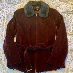 Gallery velvet burgundy short trench